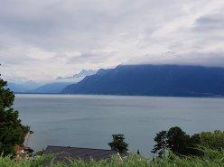 Superbe appartement avec une vue imprenable sur le lac et les montagnes.