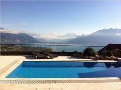 Spacieuse villa avec piscine, vue imprenable sur le lac